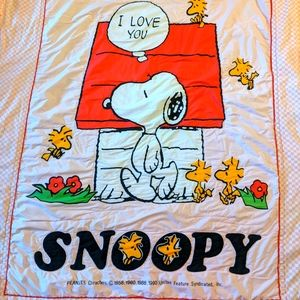 Snoopy vintage 1992 bed cover with gingham ruffle